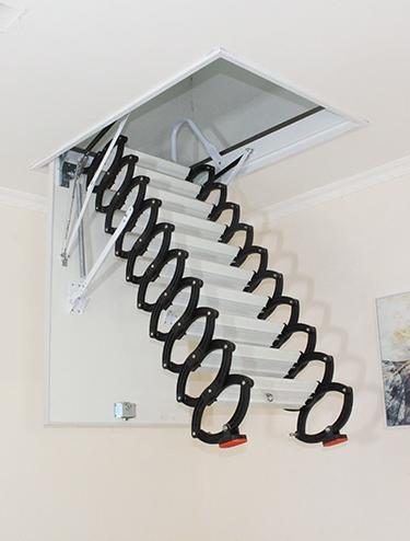 阁楼收缩楼梯